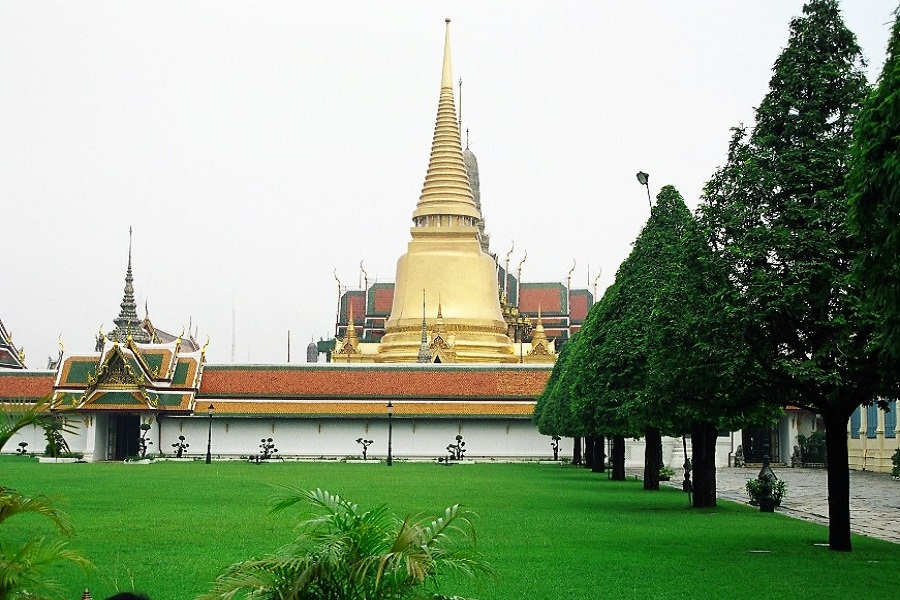 The Royal Grand Palace & The Emerald Buddha Temple + Gems Gallery